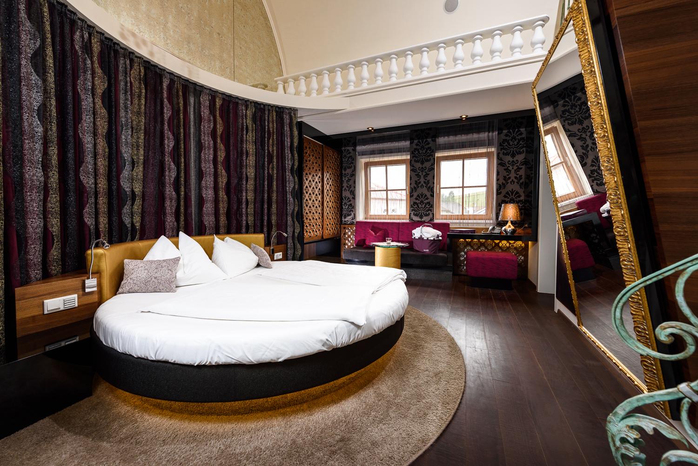 Hotelzimmer purpur hotel bergergut s loveness for Zimmer hotel