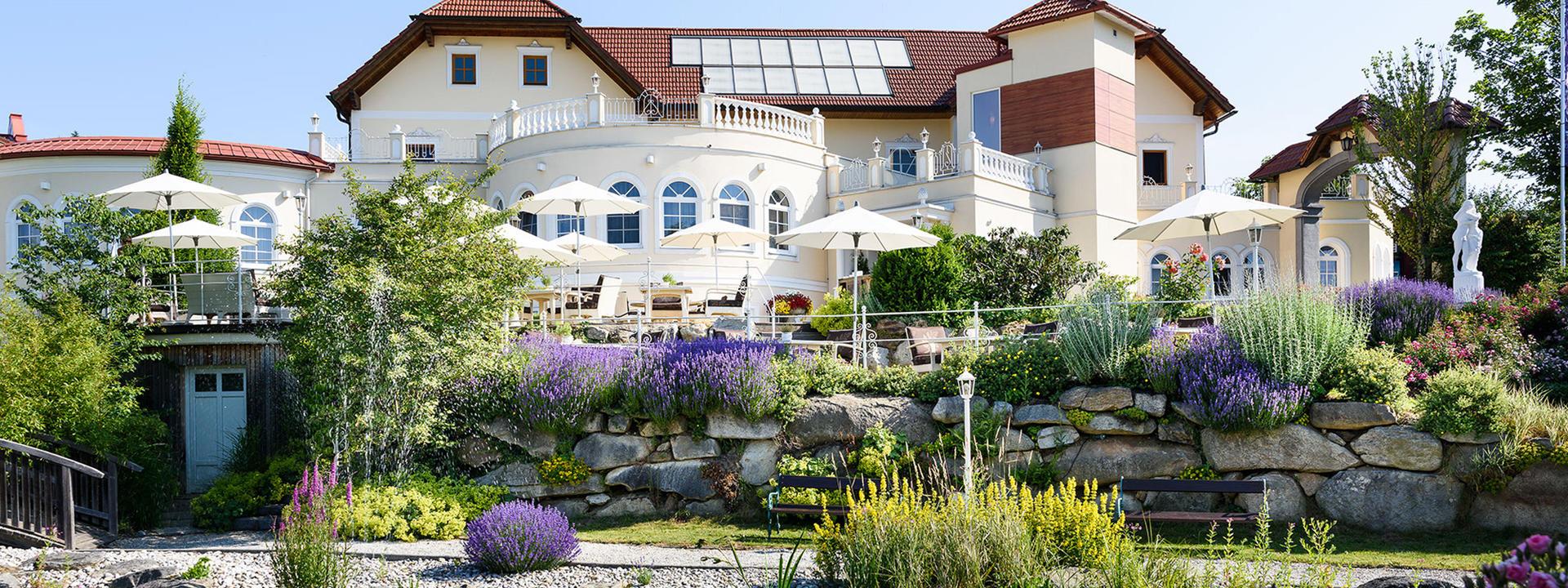 Genussvolles Romantisches Wellnesshotel In Oberosterreich Hotel